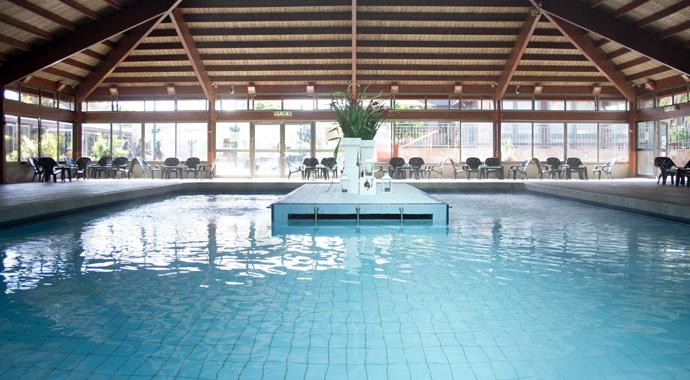 Крытый бассейн в Хамей-Гааш