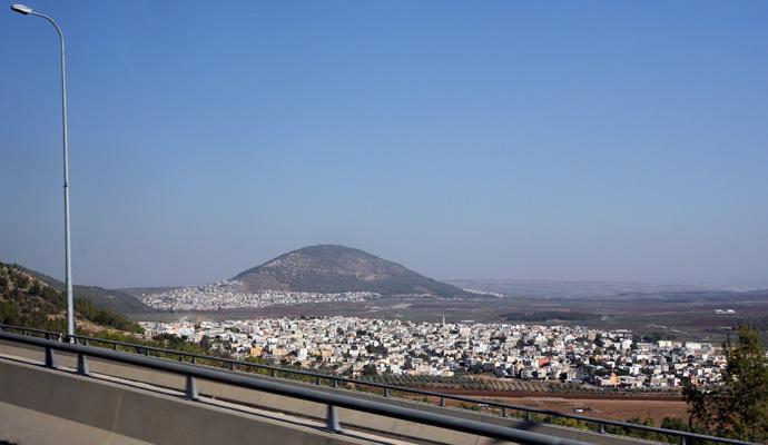 Вид на Назарет и гору Фавор